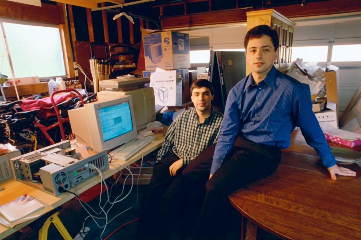 Larry Page y Sergey Brin en el garaje de Google