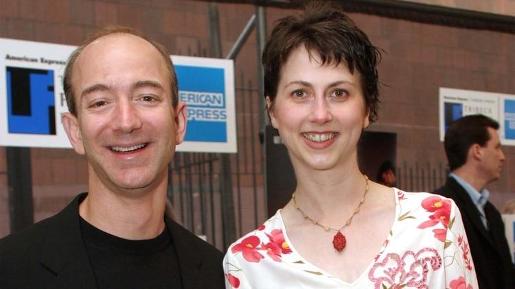 Jeff y Mackenzie Bezos durante su etapa en DE Shaw