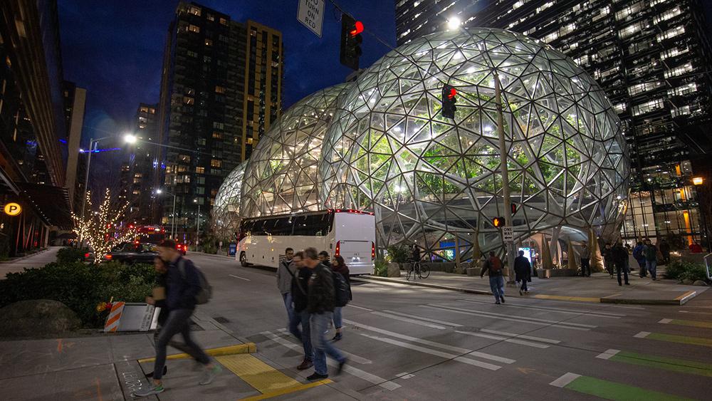 Sede central de Amazon en Seattle (Evan Chakroff).