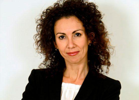 Emi Solis - Experta en Comunicación Corporativa, Cuarta Pared Comunicación.